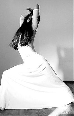 Betty danza curriculum.jpg