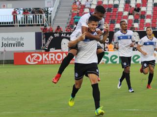 Em fase final de negociação com o Avaí, Matheus Barbosa se despede do Peixe