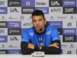 Após balançar a rede, Felipe Guedes pede foco na última rodada da Copa SC
