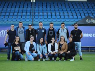 Alunos do curso de Educação Física da Unisul participam de matchday do Tubarão