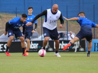 Peixe recebe o Marcílio Dias buscando vaga na semifinal da Copa SC