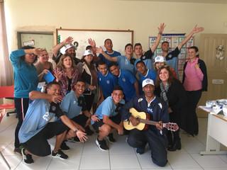 Tubarão presenteia professores de escolas parceiras e entrega convites para final do Catarinense Sub