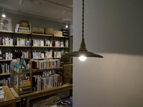 夜の本屋で、本バナシ