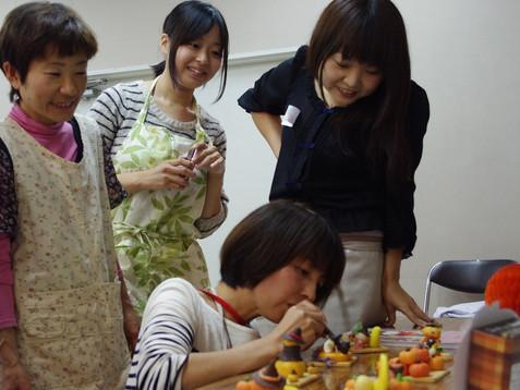お菓子で作ろう!かぼちゃのお化け ~マジパン入門編~