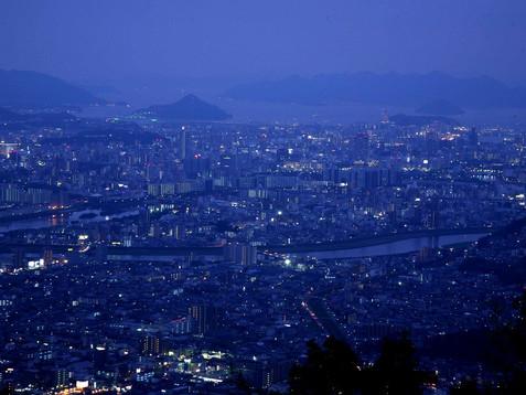 武田山 贅沢ナイトツアー ~花火と夜景と里山と~