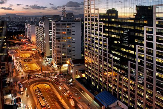 AS00100-Avenida-Paulista.jpg