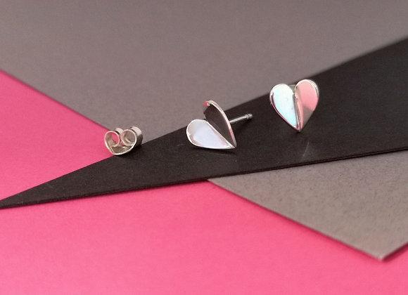 VINKEL hjärta örhängen