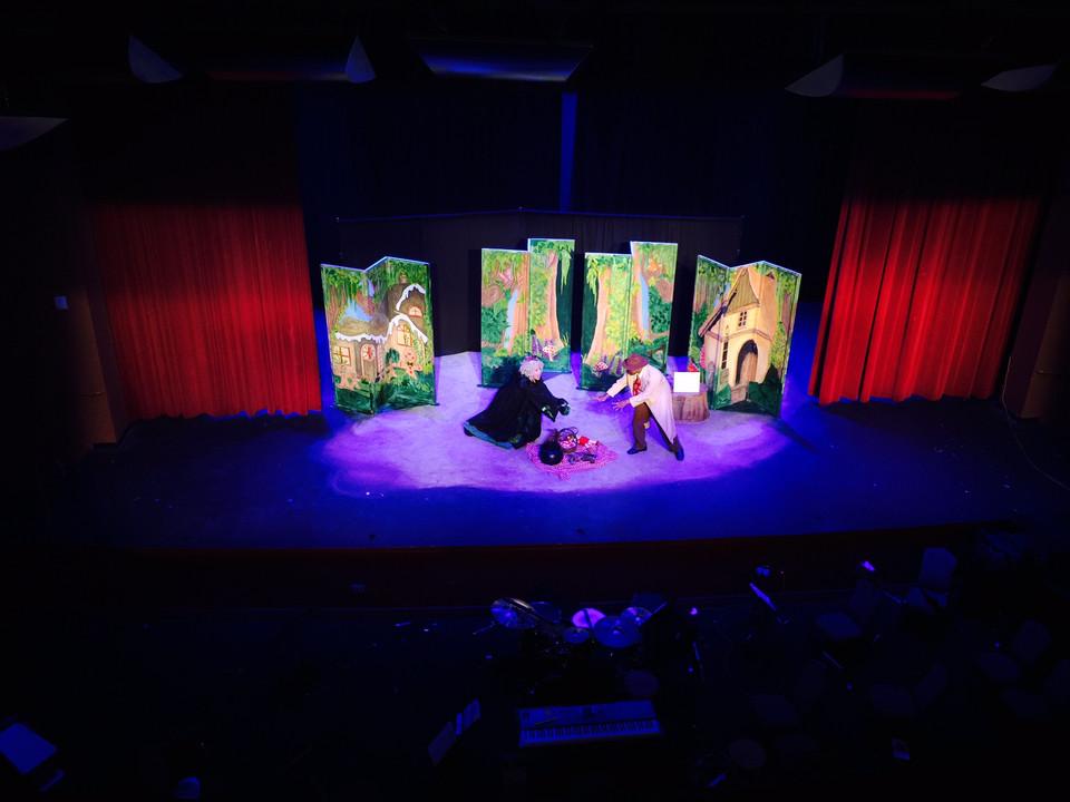 Goldilocks in Gordon Gumshoe, Fairy Tale Detective, 2015 TOUR (TYA)