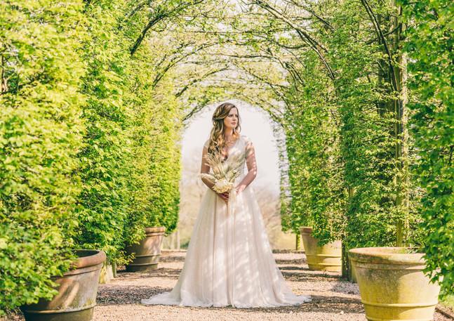 Bride under the Arches