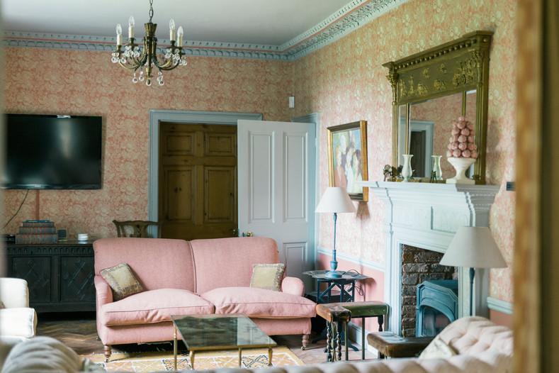 pink room 1.jpg
