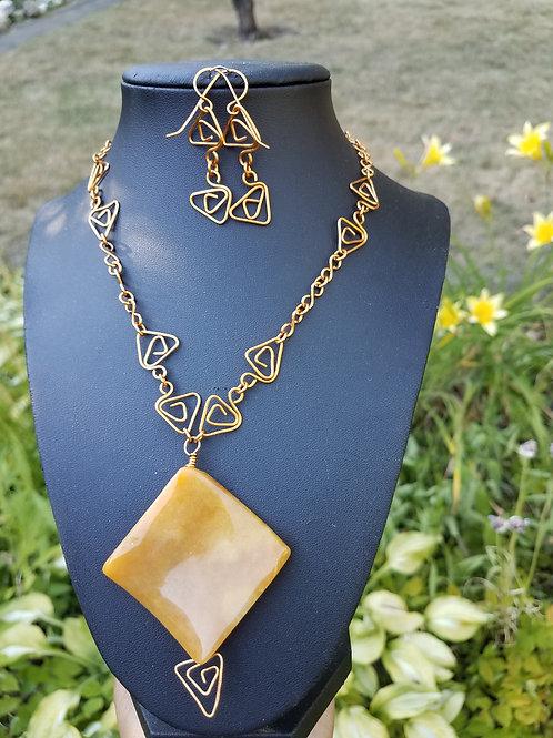 Yellow Jade diamond-shaped pendant