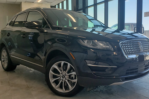 2019 Lincoln MKC Select 2.0L EcoBoost engine AWD ONLY 2,500KM