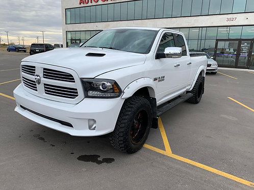 2015 Ram 1500 5.7L Quad Cab w/Long Box SUNROOF/BACK UP CAMERA