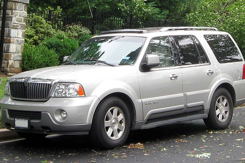 COMING SOON 2004 LINCOLN NAVIGATOR   ONLY 97,051 KM