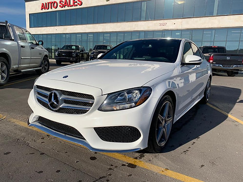 2016 Mercedes Benz C300 4Matic ONLY 45,238 KM w/PANORAMIC SUNROOF/REAR CAMERA