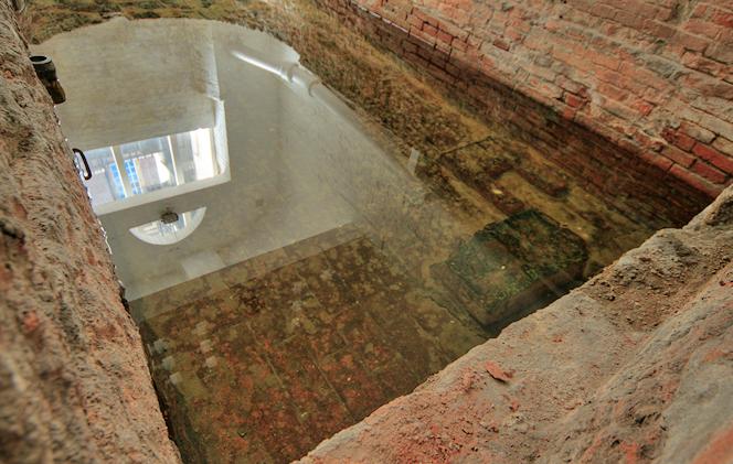 'Roman' Bath at the Strand