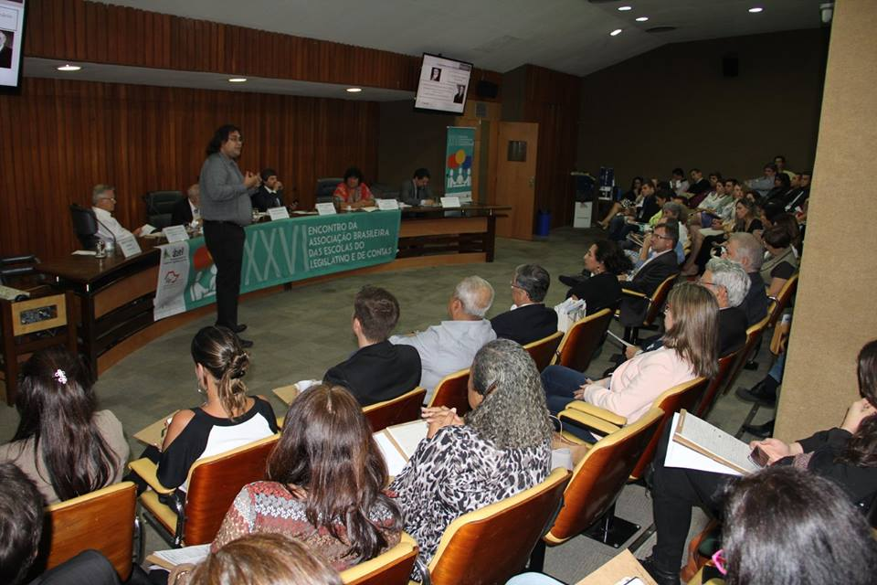 20151110_escola_legislativo_05