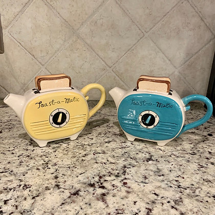 Toast-a-Matic Teapot (2 Colors Available)