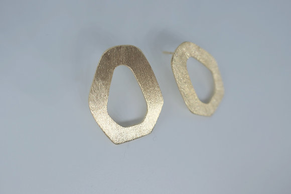 Contemporary stud earrings, 18 kt gold plated