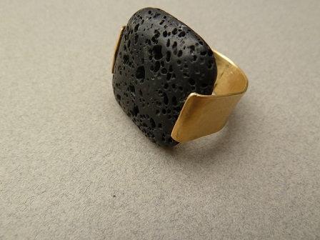 טבעת מוזהבת לבה מרובעת