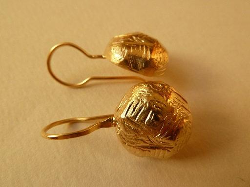 Half ball earrings
