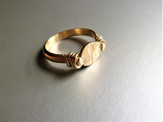 Tiny signet ring 18 kt goldplated