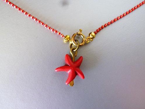 שרשרת לרגל אדומה עם כוכב ים