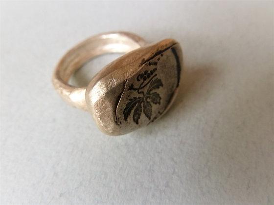 טבעת כסף גדולה עם הטבעת עלה