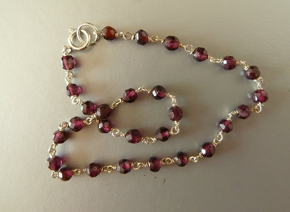 Foot necklace silver with Garnet beads