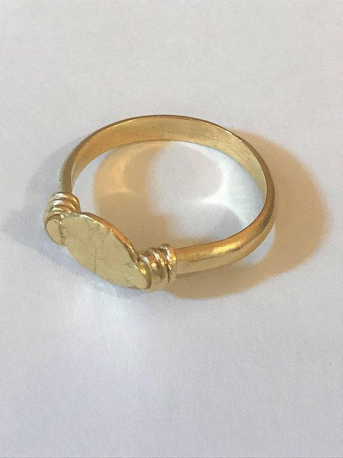 טבעת חותם רימונים עדינה