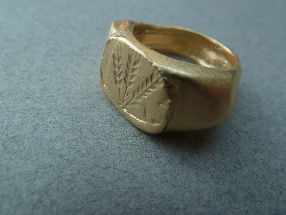 Signet gold filled ring with barley and wheat engraving large sizes
