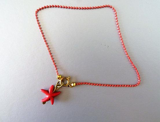 שרשרת פליז אדומה עם כוכב ים היולייט אדום