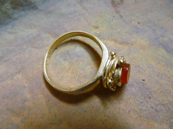 Carnelian ring 18 kt gold filled