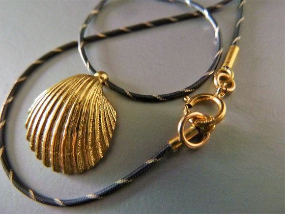 Shell necklace gold pendant and black silver chain