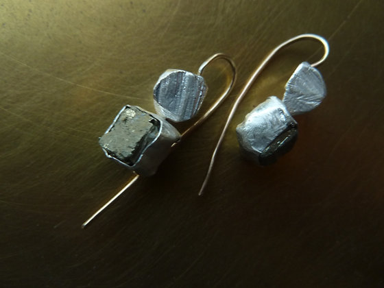 Silver earrings with goldfilled earwire and square Pyrite