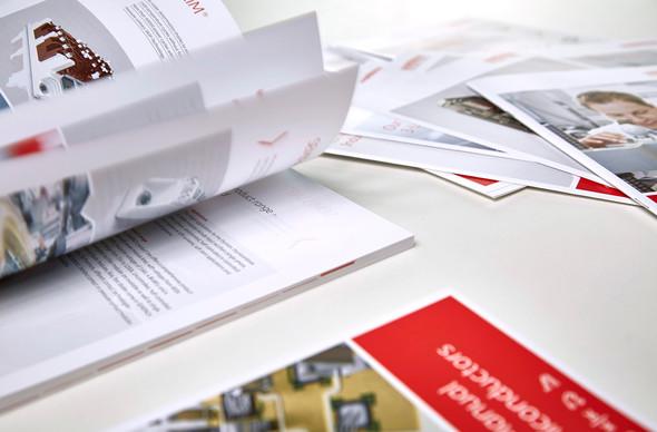 Kunde: SEMIKRON Power Electronik, Nürnberg   Sämtliche Printprojekte pflegen und aktualisieren Modifizierung und Weiterentwicklung des bestehenden Corporate Designs Projekt: Produktflyer, Marktflyer, Umweltbericht, Imagebroschüre