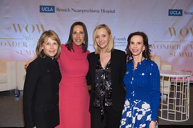 Laurie Gordon, Nancy Glaser, Lisa Kudrow