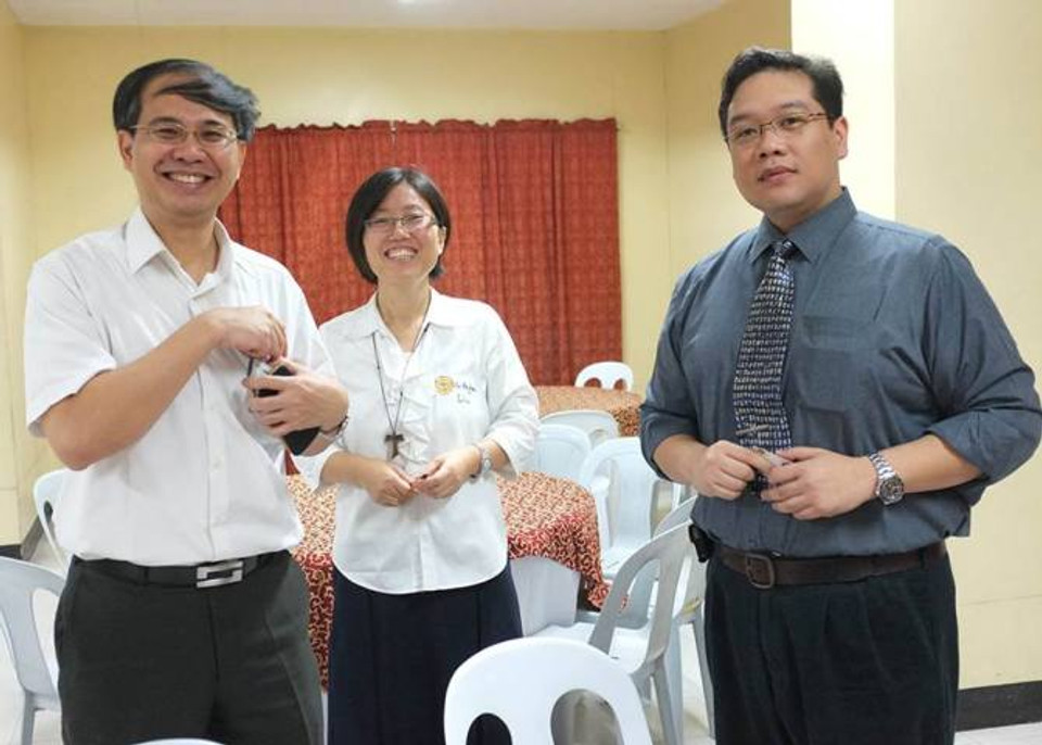From L-R Dr. Kuo Chechang, Sr. Regina Liu, Dr. Philip Tan-Gatue