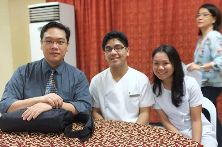 Dr. Philip Tan-Gatue with UP Medical Students