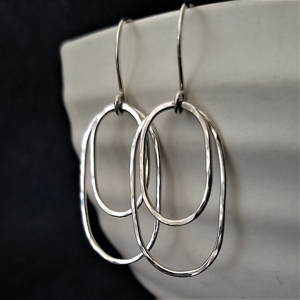 Kinetic Oval Hoop Earrings(WS)