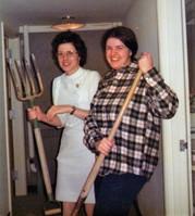 22- Sue B & Rose ghost hunting (2) ms ph