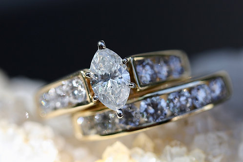MARQUISE AND ROUND DIAMOND WEDDING SET