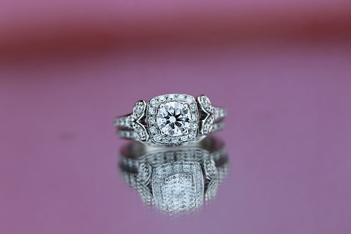 ROUND DIAMOND HALO WEDDING SET
