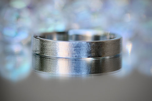 MENS BRUSHED FINISH PLATINUM WEDDING BAND