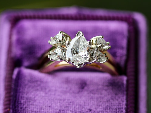 PEAR CUT  DIAMOND WEDDING SET