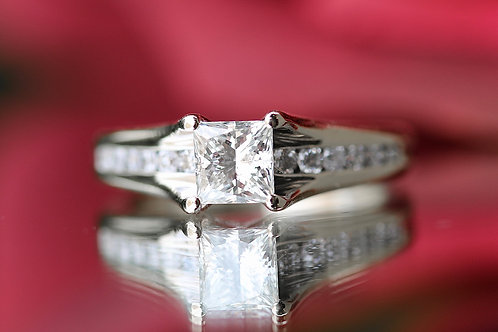 PRINCESS CUT ENGAGEMENT RINGS WITH ROUND DIAMOND ACCENTS