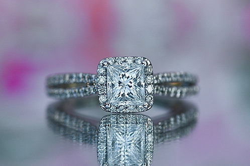 PRINCESS CUT SPLIT BAND DIAMOND ENGAGEMENT RING WITH HALO