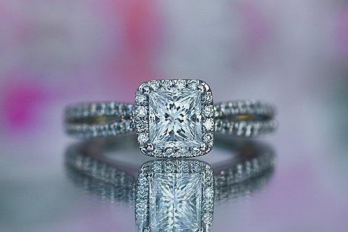 PRINCESS CUT SPLIT BAND DIAMOND ENGAGEMENT RING WITH HALO