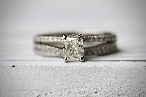 RADIANT CUT AND ROUND DIAMOND RITANI WEDDING SET