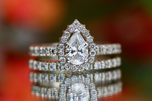 PEAR CUT HALO DIAMOND WEDDING SET